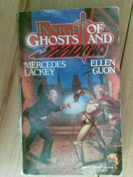 Knıght Of Ghosts And Shadows / Mercedes Lackey